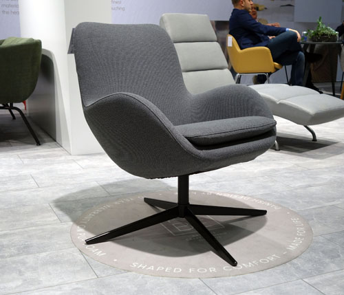 Gambler side chair by KEBE, IMM Cologne 2018. Design: Jacob Würtzen